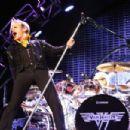 Van Halen live at Tampa's MidFlorida Credit Union Amphitheatre on September 13, 2015 - 454 x 303