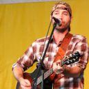 Josh Thompson (singer)