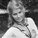 Priscilla Presley - 385 x 480