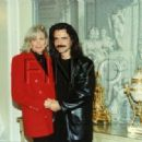 Yanni and Linda Evans - 454 x 318