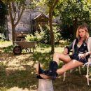 Lara Stone - Elle Magazine Pictorial [France] (28 September 2018) - 454 x 565
