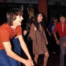 Ashton Kutcher and Mila Kunis - 454 x 362