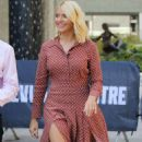 Holly Willoughby – Filming This Morning Outside ITV studios in London - 454 x 856
