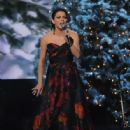 Martina McBride-November 10, 2011-Country Christmas - 446 x 594