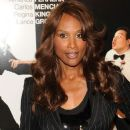Beverly Johnson - 382 x 594