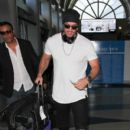 William Levy Hits LAX - 400 x 600