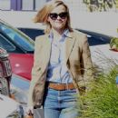 Reese Witherspoon – Heading into her office in Brentwood