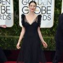 Catriona Balfe At The 73rd Golden Globe Awards - Arrivals (2016)