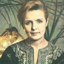 Ada Rogovtseva - 454 x 650