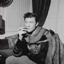 Laurence Harvey In CAMELOT -- Original London Cast - 337 x 340