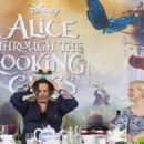 Alice Through the Looking Glass (2016) - 454 x 323