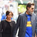 Jim Carrey's Girlfriend Commits Suicide?
