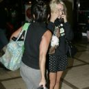 Jamie-Lynn Spears - Arrives With Her Mother At LAX 2007-10-05