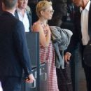 Kate Hudson at Airport in Sydney - 454 x 681