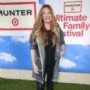 Cat Deeley – Hunter for Target Ultimate Family Festival 2018 in Pasadena - 454 x 676