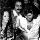 Barry Gibb And Linda Gray - 330 x 460