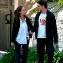 Jennifer Love Hewitt And Jamie Kennedy Out For A Stroll, 2009-04-06