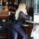 Khloe Kardashian – Arrives at bagel shop in Beverly Hills