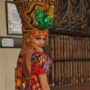 Ericka Vélez- Hogar Magazine Ecuador March 2014 - 380 x 572