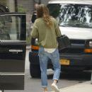 Gisele Bundchen in Jeans Out in New York - 454 x 512