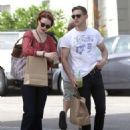 Evan Rachel Wood and her boyfriend Jamie Bell getting fresh juice from an organic health store (July 11)