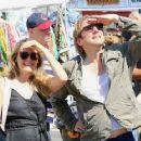 Alicia Silverstone at the farmer's market in Studio City, California on August 28, 2016 - 454 x 361