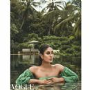 Kareena Kapoor Khan - Vogue Magazine Pictorial [India] (January 2018)