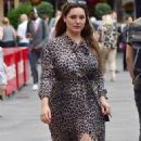 Kelly Brook – Arrives at Global Radio in London - 454 x 800