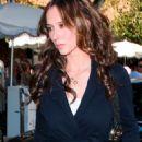 Jennifer Love Hewitt - Shopping On Robertson Blvd, Beverly Hills - December 29 2008