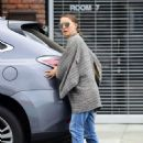 Natalie Portman – Out in Los Angeles - 454 x 597