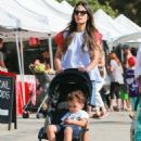 'Furious 7' actress Jordana Brewster went to the farmer's market with her family in Los Angeles, California on August 21, 2016 - 454 x 595