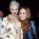 Gwen Stefani and Fiona Apple -  The 39th Annual Grammy Awards (1997) - 383 x 612