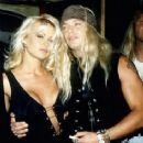 Bret Michaels and Pamela Anderson - 236 x 325