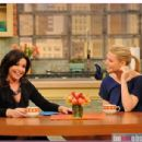 Rachael Ray and Gwyneth Paltrow in The