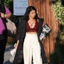 Sarah Hyland on the set of 'The Wedding Year' in Hollywood - 454 x 665