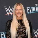 Kelly Kelly – WWE Evolution in New York - 454 x 564
