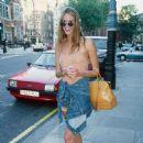 Elle Macpherson in London - 1994 - 454 x 454
