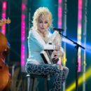 Dolly Parton performs at 'Jimmy Kimmel Live' on October 3, 2016
