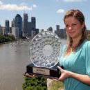 Kim Clijsters - Poses With The Brisbane International Trophy At Kangaroo Point Cliffs - 10.01.2010