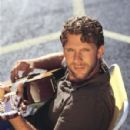 Billy Currington - 299 x 380