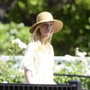Dakota and Elle Fanning – Out in Los Angeles - 454 x 548