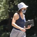 Jennifer Garner – Visits her new mansion in Brentwood