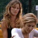 Gisele Bündchen and Jennifer Esposito - 342 x 371