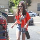 Emma Roberts in Shorts – Shopping in Los Angeles