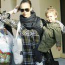 Jessica Alba - Buying Easter Eggs, 2010-04-03
