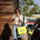 Cindy Crawford Shopping In Malibu