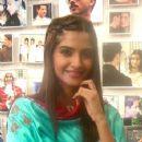 Sonam & Shahid Kapoor promoting Mausam in Delhi