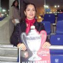 Salma Hayek - Watching The Coupe De France Final At The Stadt De France, 2009-05-09