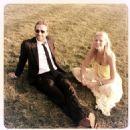 Chris Martin and Gwyneth Paltrow - 454 x 454