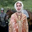 Jeanne Marine as Nicolette, Princess Isabelle's Handmaiden in Braveheart (1995) - 454 x 193